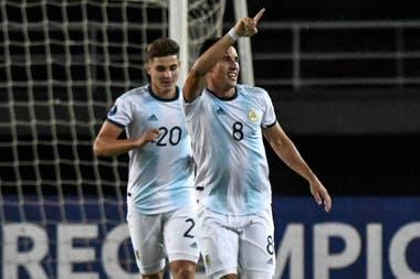 Nicolás Capaldo abrió el marcador ante Chile, en Colombia