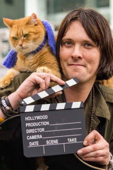 James Bowen y su gato Bob, una amistad que cambió la vida de ambos