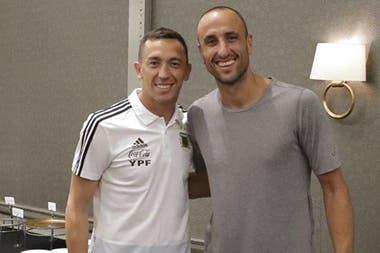 Con Manu Ginóbili, en una visita del ex basquetbolista a la concentración de la selección argentina