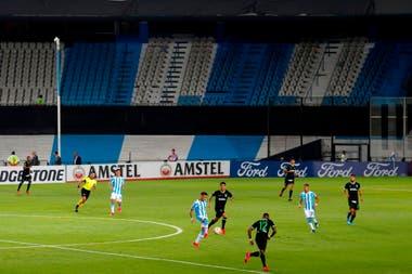 Aquel partido del 12 de marzo entre Racing y Alianza Lima, con tribunas vacías
