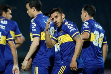 """Eduardo """"Toto"""" Salvio, el máximo goleador de Boca en 2020, celebra uno de sus dos goles a Libertad."""
