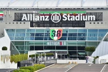 Juventus anunció que se presentará a jugar el partido, pero el plantel de Napoli no pudo viajar a Turín