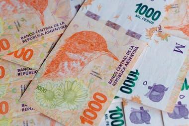 Con algunas idas y vueltas, el Gobierno comenzó a autorizar subas en algunos precios regulados