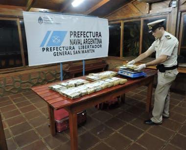 Resultado de imagen para Prefectura secuestró en Corrientes marihuana