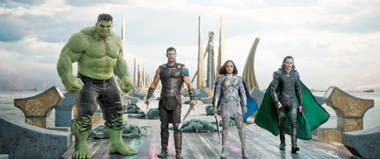 Hulk (Mark Ruffalo) junto a Thor (Chris Hemsworth), Valkyrie (Tessa Thompson) y Loki (Tom Hiddleston), en la nueva Thor: Ragnarok