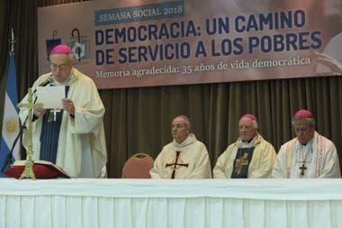 Política| La iglesia criticó al Gobierno