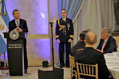 Trascendió anoche durante la cena de camaradería entre Macri y la cúpula de las Fuerzas Armadas; se impulsaría el año que viene