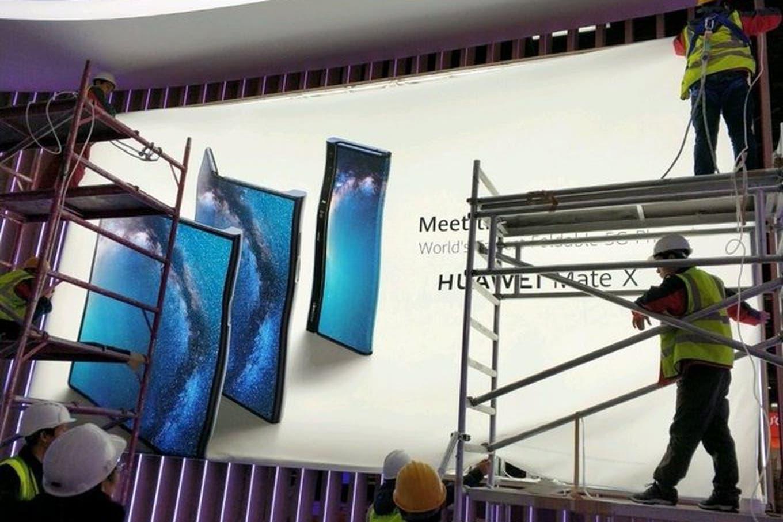 Un cartel en Barcelona adelantó el anuncio del Huawei Mate X