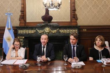 Sonia Pérez Marco, Sergio Baur, Marcelo García y Ana Cernusco, ayer, en la Cancillería