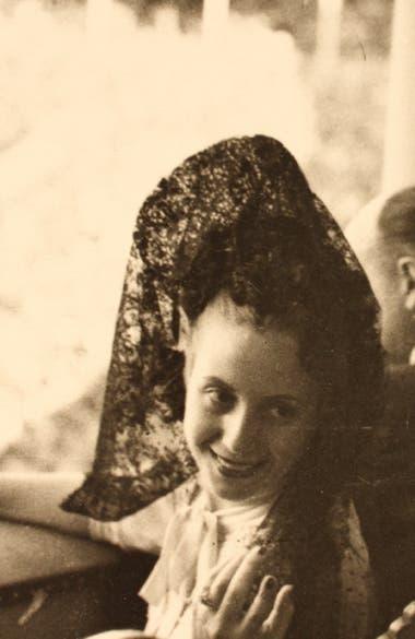 Evita y los trajes de España- Museo Larreta