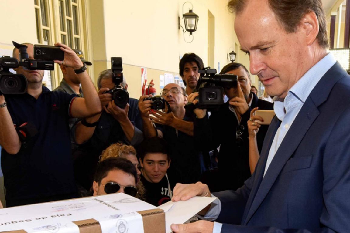 Gustavo Bordet aspira a la reelección en Entre Ríos