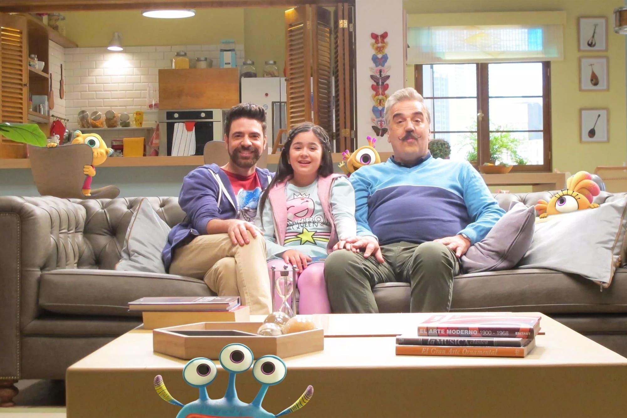 Actrices Porno De Aspecto Infantil con nivis, amigos de otro mundo, disney presenta una familia