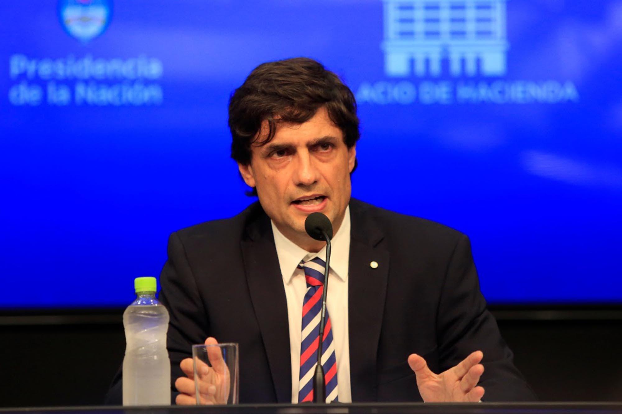 """Lacunza: """"Propusimos al FMI dialogar para reperfilar los vencimientos de deuda"""""""