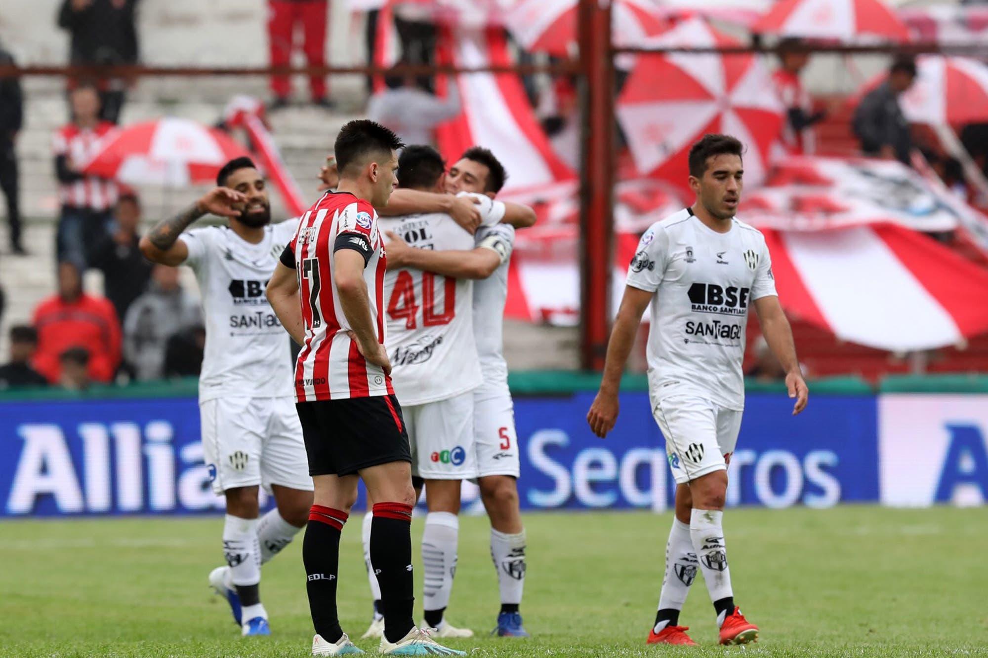 Copa Argentina: Central Córdoba cumple un sueño; Estudiantes, en caída libre