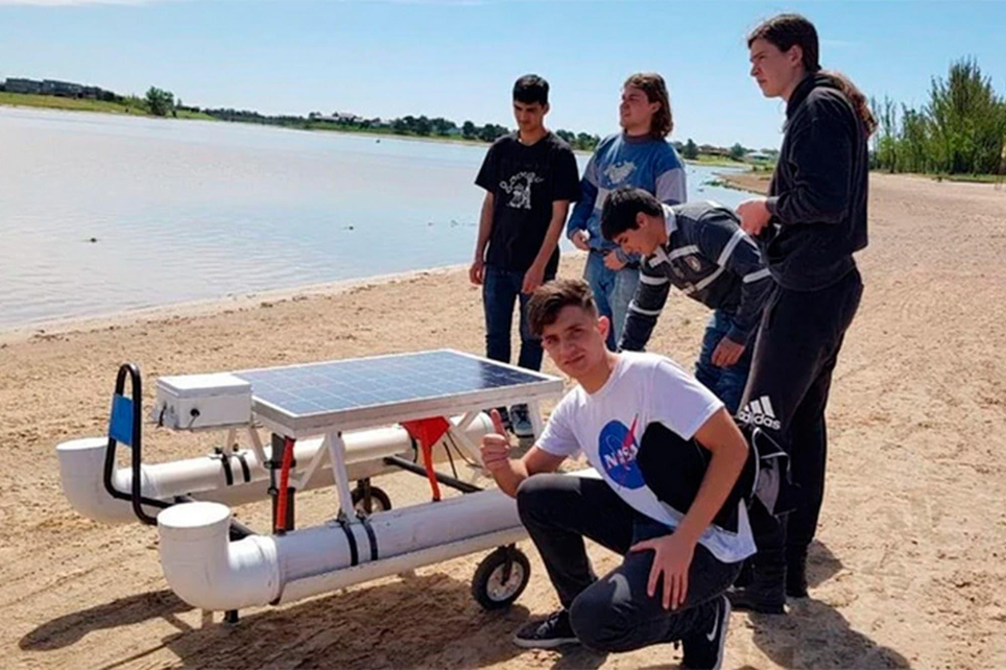 Estudiantes de Entre Ríos crearon un dron para medir la contaminación del agua
