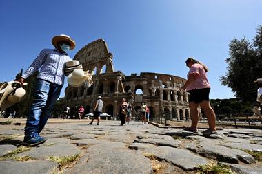 Italia, como miembro de la Unión Europea, no recibe argentinos
