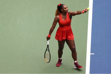 Serena Williams le ganó a la búlgara Tsvetana Pironkova en tres sets y ya está en semifinales del US Open