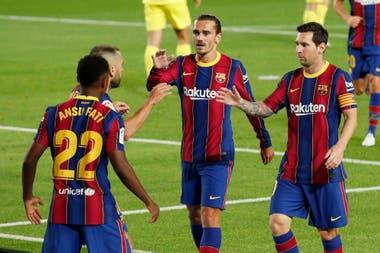 FC Barcelona v Villarreal - Camp Nou, Barcelona, España - 27 de septiembre de 2020 Ansu Fati del Barcelona celebra su primer gol con Lionel Messi y Antoine Griezmann