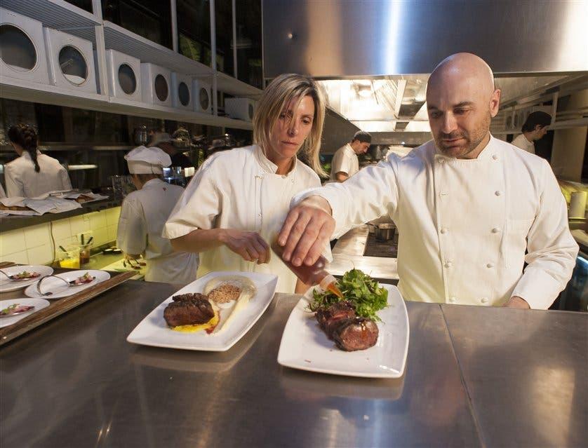 Aprendiz en una de las cocinas más renombradas de Buenos Aires - LA ...