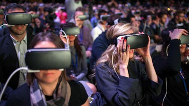 El casco de realidad virtual de Samsung, estrella del Mobile World Congress