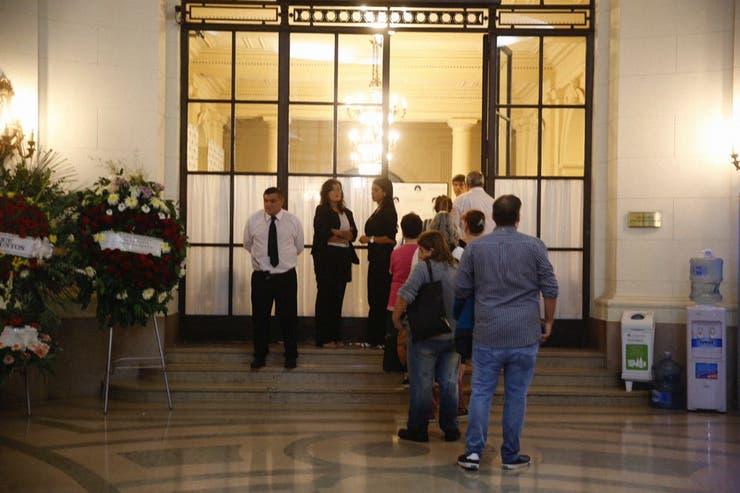 La legislatura abrió sus puertas para velar a Débora Pérez Volpin