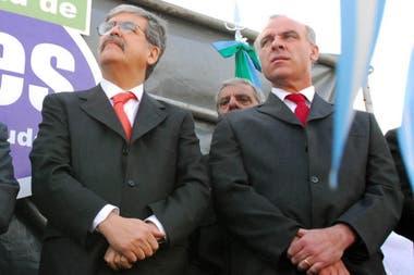 07/09/2006 - Julio De Vido y Claudio Uberti, en una inauguración: El exministro de Planificación y el extitular del Órgano de Control de Concesiones Viales (Occovi) ya se mostraban juntos durante los primeros años del kirchnerismo en actos oficiales