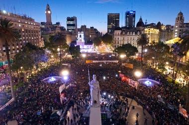 Contra la violencia y la desigualdad, más de 300.000 personas se movilizaron desde el Congreso de la Nación a Plaza de Mayo