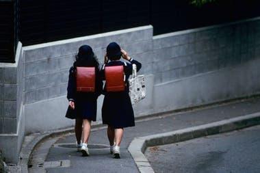 Tomoe Morihashi, de 12 años, se queja de las rígidas normas que los alumnos deben seguir en las escuelas japonesas