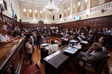 La Casa de las Leyes finalmente dio marcha atrás total con la controversial norma, a pedido del gobernador.