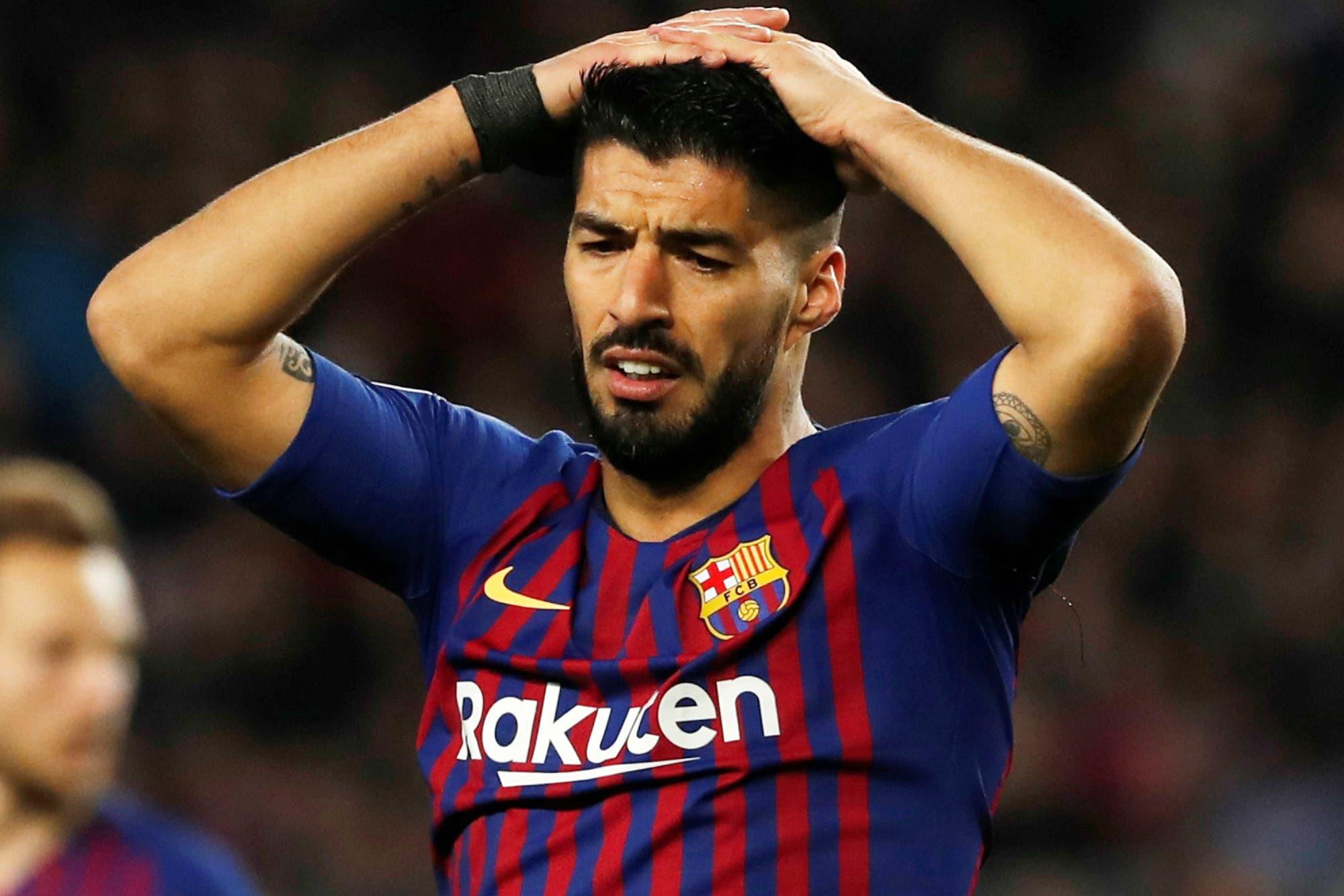 Barcelona: malas noticias para Luis Suárez, que fue operado y estará sin jugar mucho más de lo esperado