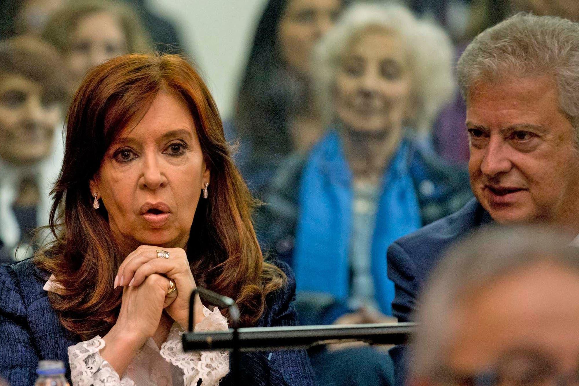 Vialidad: el 3 de agosto se reanuda por Zoom el juicio a Cristina Kirchner y Lázaro Báez