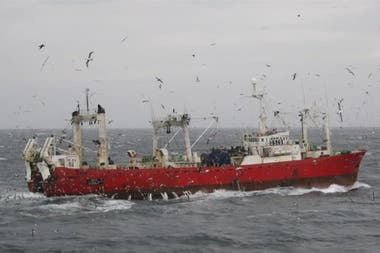 El buque pesquero Echizen Maru tuvo 57 casos positivos de coronavirus al regresar a Ushuaia