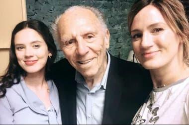 Delfina y Paula junto a su abuelo Isaac en el rodaje de ATAV, en noviembre de 2019