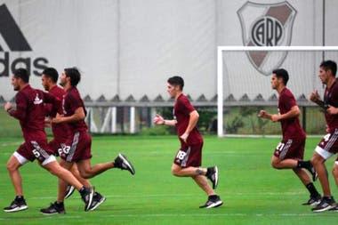 Un entrenamiento de River en el predio de Ezeiza; Marcelo Gallardo, su entrenador, ya había planeado concentrarse allí de cara a la reanudación de la Copa Libertadores.