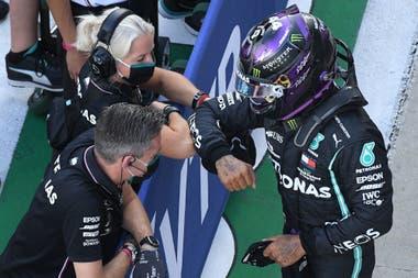 Hamilton saldrá primero en Sochi, por delante de Verstappen y Bottas