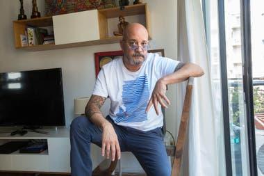 Después de 18 años, el Bahiano dejó Los Pericos en 2004. Aún hoy en la calle lo siguen involucrando con la banda en la que supo ser el frontman