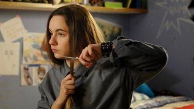 Lanata interpretó a un personaje trans en 100 días para enamorarse y se cortó el pelo en un episodio de la tira