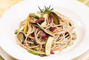 Spaghetti integrales con vegetales