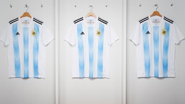Presentaron la camiseta de la Argentina.