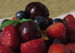 Postre rápido y fácil: mix de frutos rojos macerado