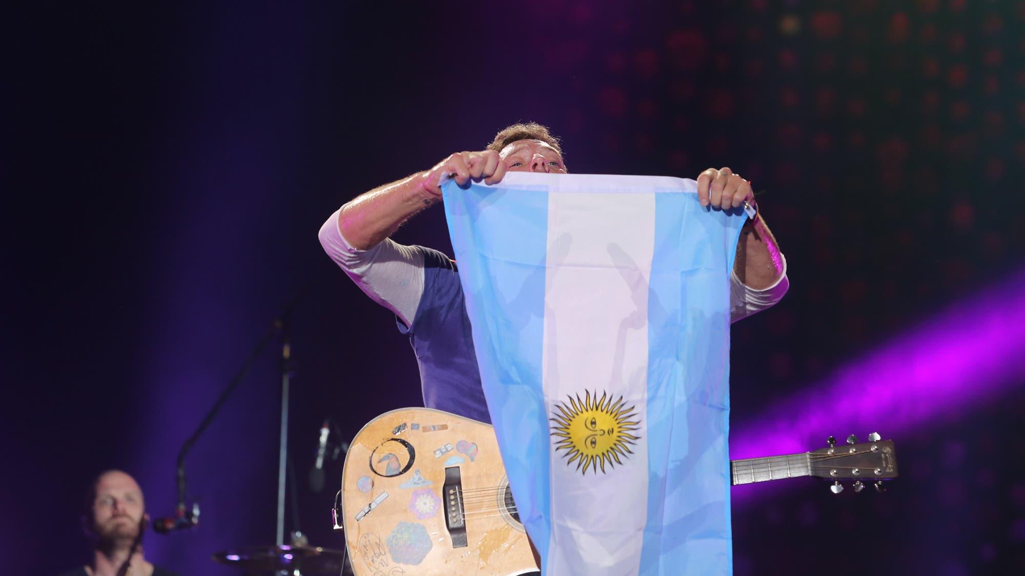 Cómo llegó Chris Martin a ser el cantante estrella del regreso de Soda Stereo