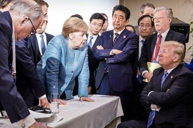 La imagen que se volvió icónica de los desencuentros en el último G-7