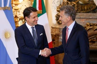 Resultado de imagen para Macri recibe a conte