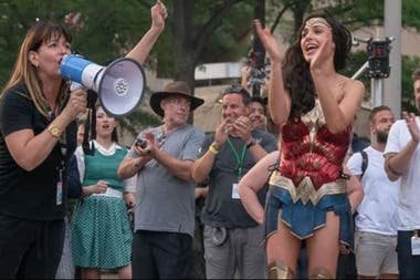 Patti Jenkins y Gal Gadot durante el rodaje de Mujer Maravilla
