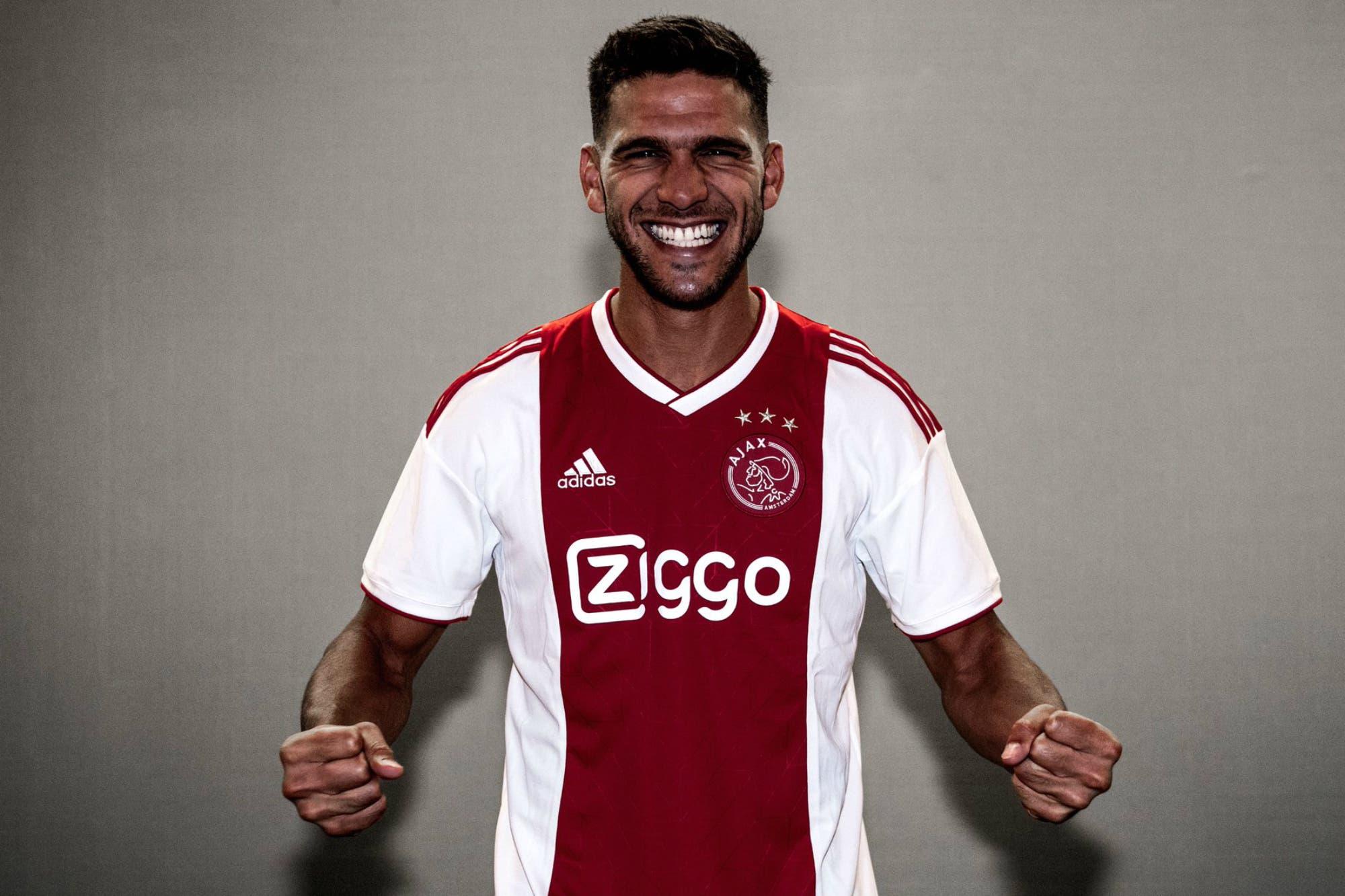 Resultado de imagen para Lisandro Magallan Ajax presentacion