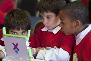 Si bien el Plan Ceibal es conocido por haber entregado una computadora a cada escolar, hoy en día funciona más como un laboratorio de innovación pedagógica.
