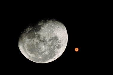 Hoy, martes 6 de octubre, el planeta rojo se podrá observar a simple vista desde nuestro planeta. El evento no volverá a ocurrir por los próximos 15 años