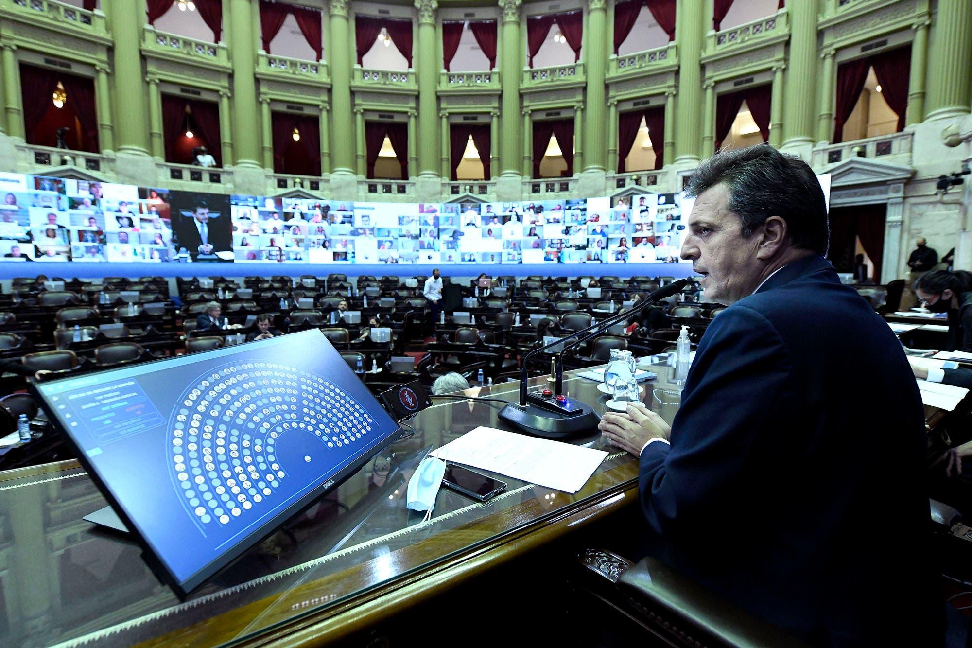 Por unanimidad, suspenden al diputado salteño Juan Emilio Ameri