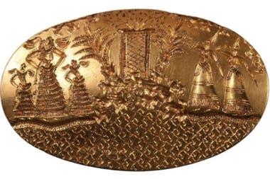 En esta piezas está representada una escena ceremonial compleja que muestra a cinco mujeres ataviadas con vestidos muy elaborados en torno a un altar