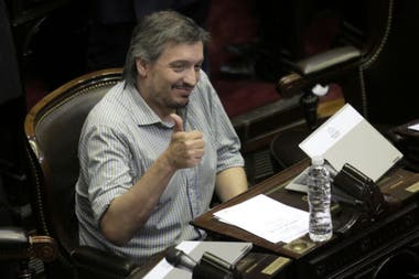 """Máximo Kirchner presentó un proyecto que prohíbe, durante 30 años, cambiar el uso de las propiedades incendiadas; en Juntos por el Cambio sostienen que el plan es """"un delirio"""""""